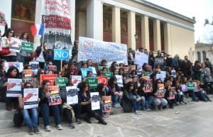 150313_manifestacion_estudiantes_grecia_lc.columnas_8
